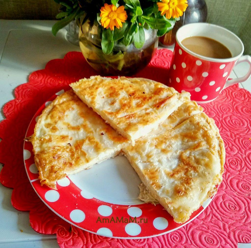 Ёка абхазская - лепешка из тонкого армянского лаваша с сыром и яйцом