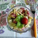 Сочный необычный салат из крабовых палочек
