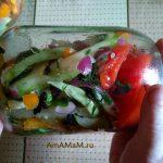 Банка с овощами