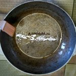 Сковородка с маслом