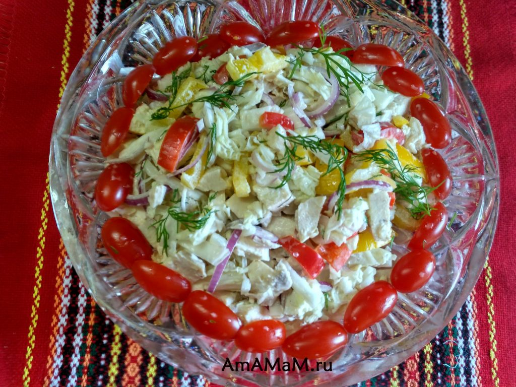 Куриный салат со сладким перцем