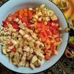 Нарезка овощей для баклажанной икры