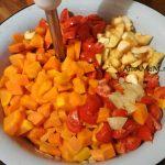 Овощи для соуса в тазу