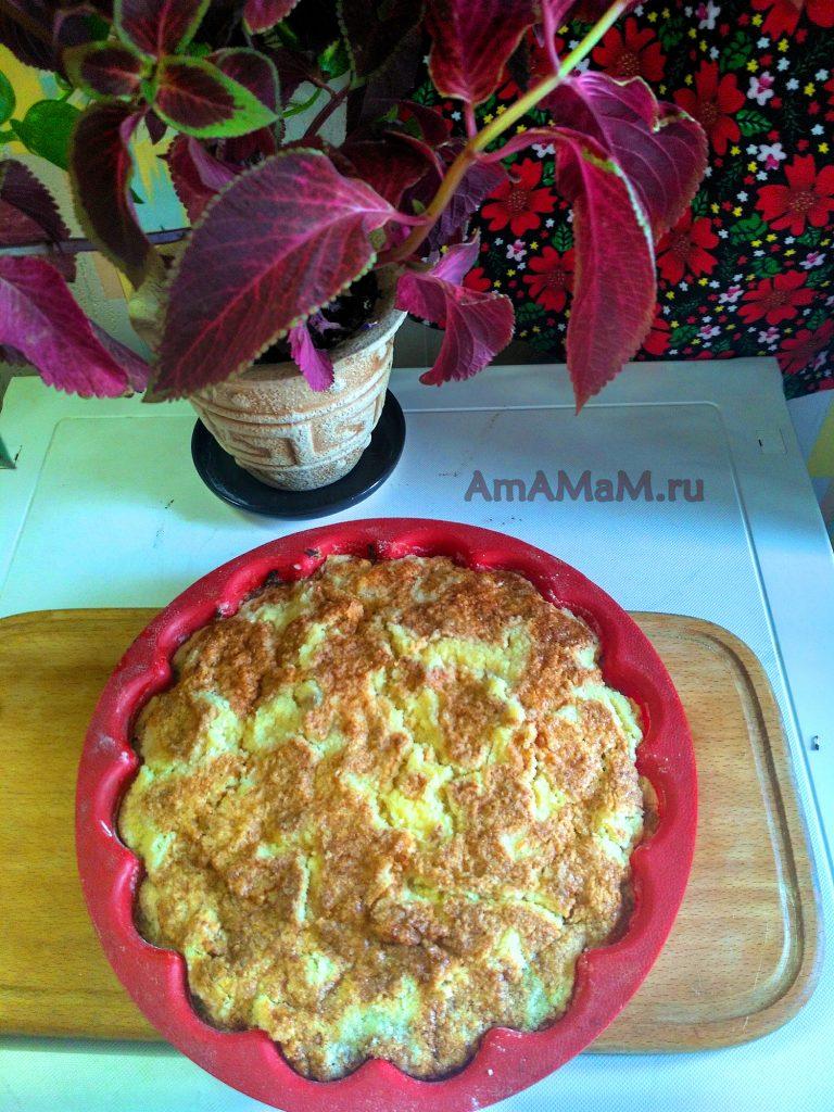 Пирог насыпной с яблоками в силиконовой форме