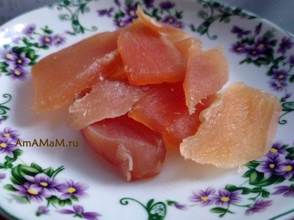 Рецепт балыка из куриного филе - готовое мясо, нарезанное ломтиками