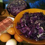Что нужно для салата из крабовых палочек и красной капусты