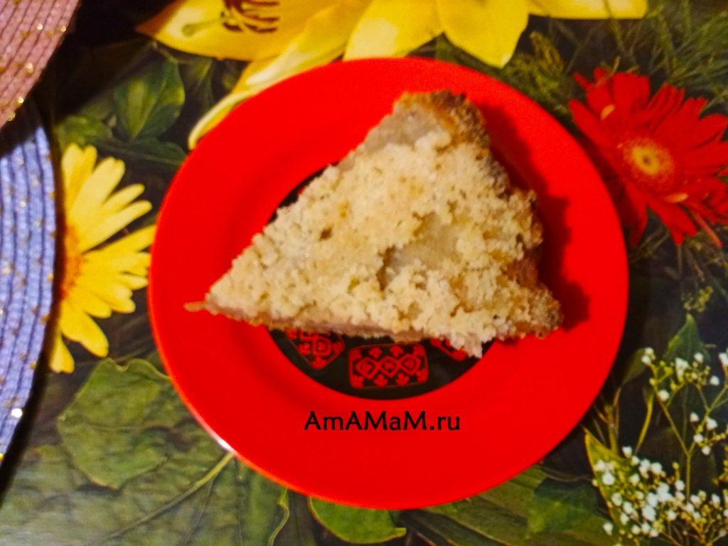 Пирог банановый с яблоками (насыпной)