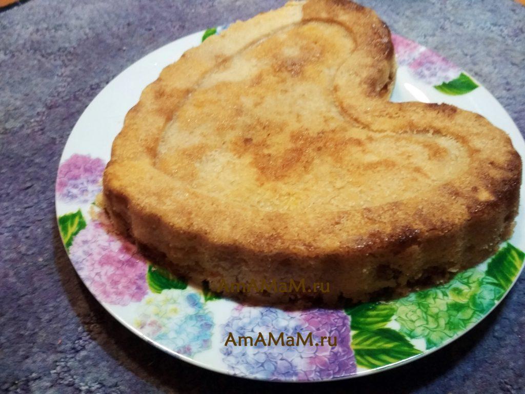 Насыпной яблочно-банановый пирог