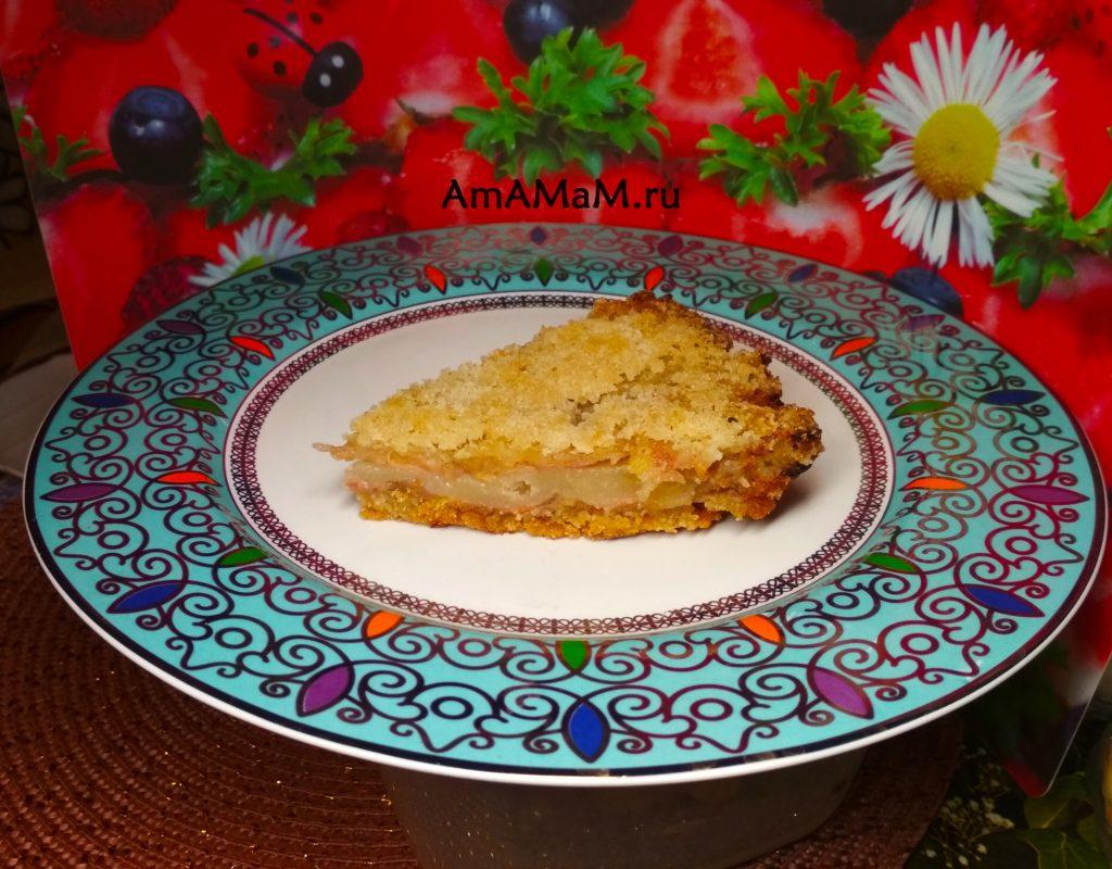 Вкусный бананово-яблочный пирог