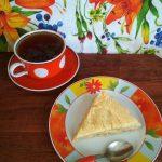 Пирог фруктовый и чай