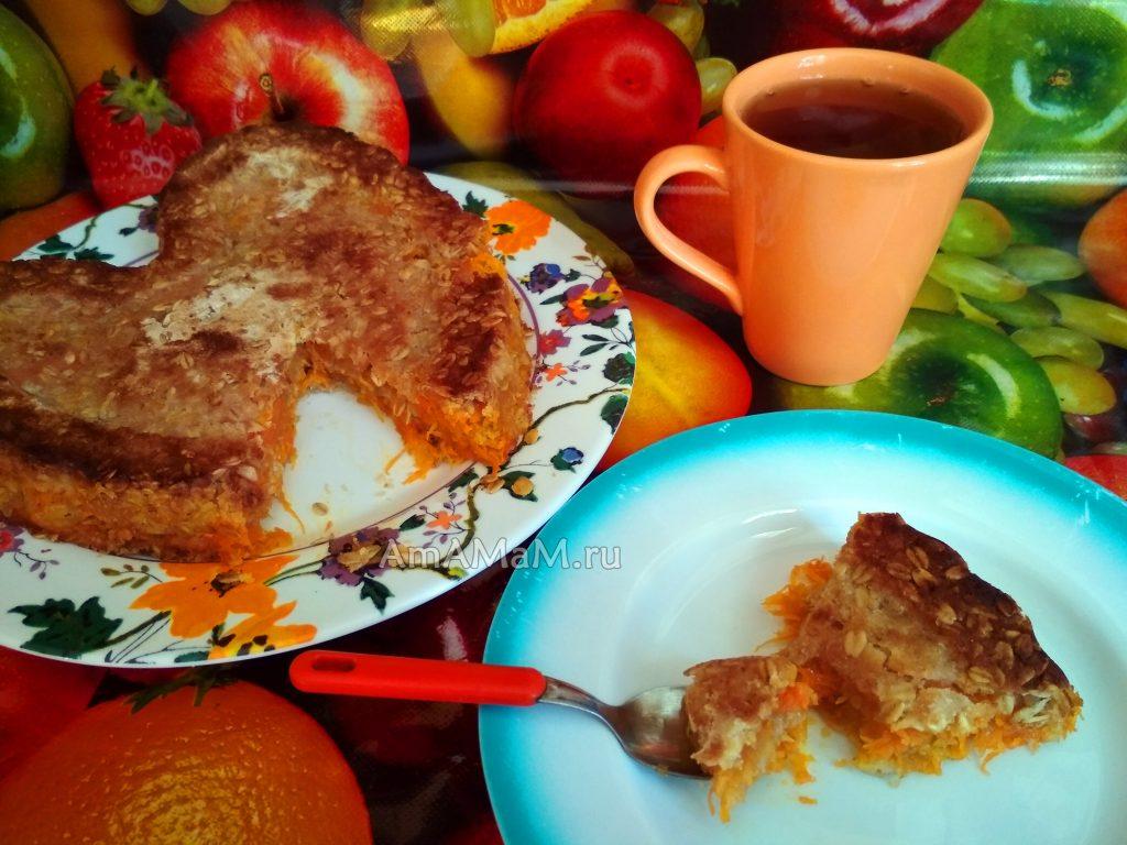 Морковно-яблочный овсяный пирог