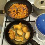 Процесс приготовления грудки с морковью и смородиной