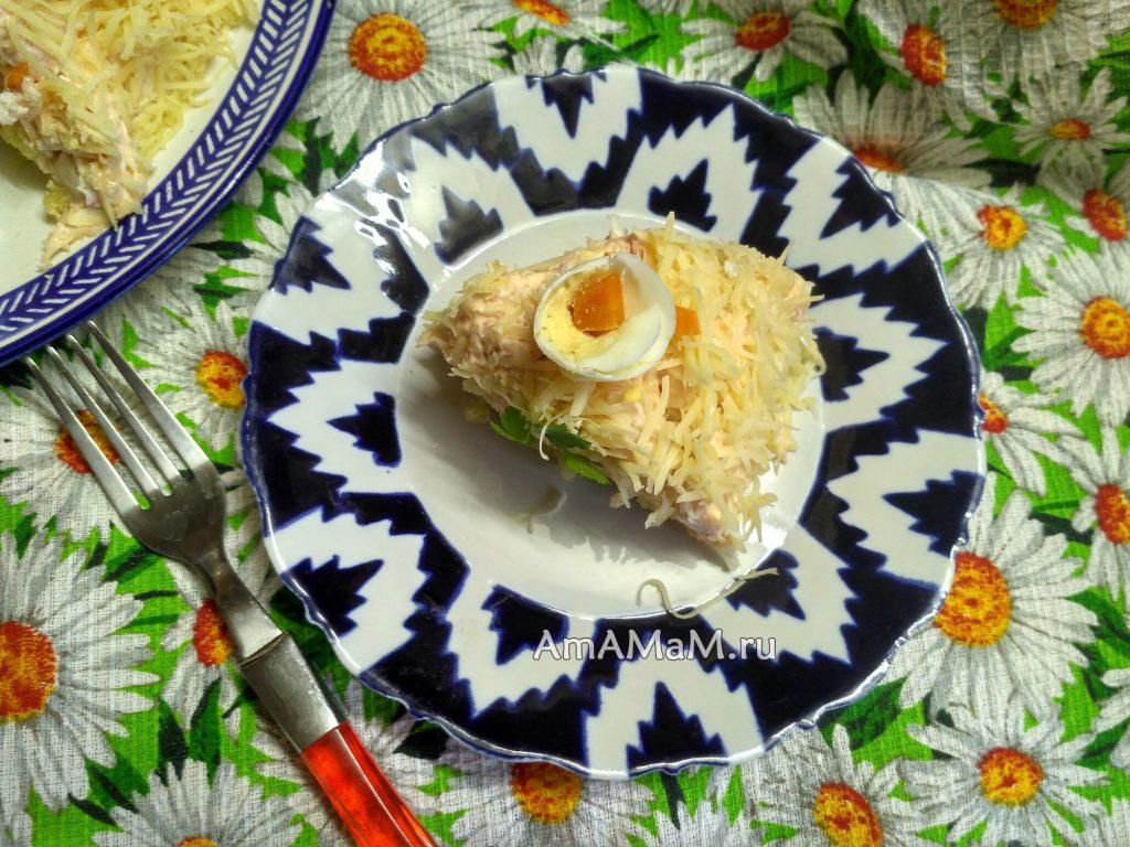 Вкусный крабовый салат с икрой мойвы