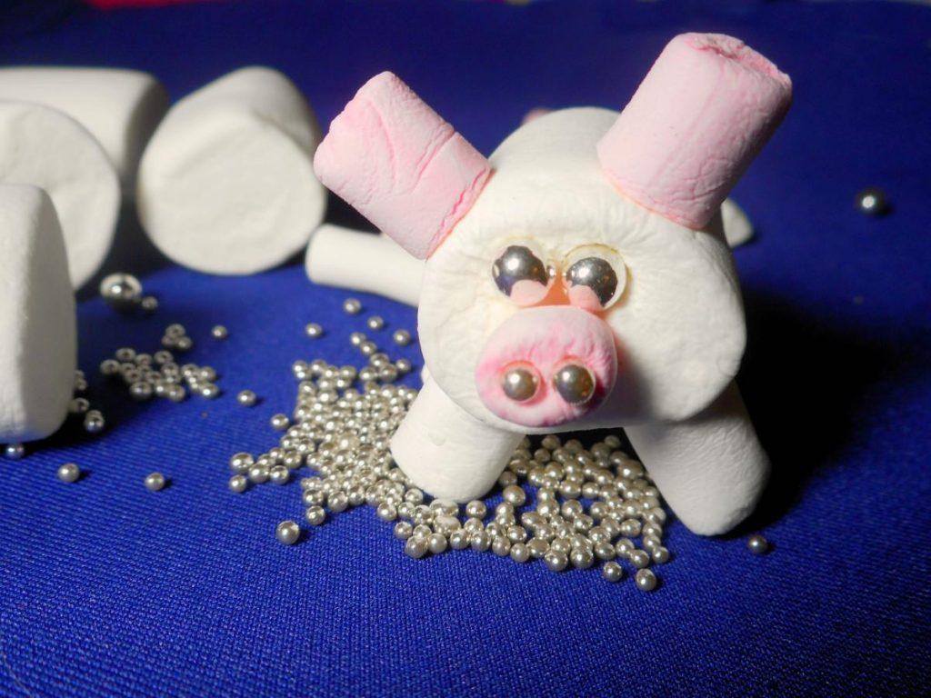 Свинка из маршмэллоу