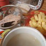 Пошаговые фото варки супа из остатков горбуши (хребет, голова)