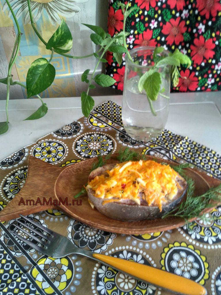 Запекание стейков лакедры с морковью и сыром