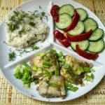 Ужин из рыбы на пару с рисом и нарезкой из овощей