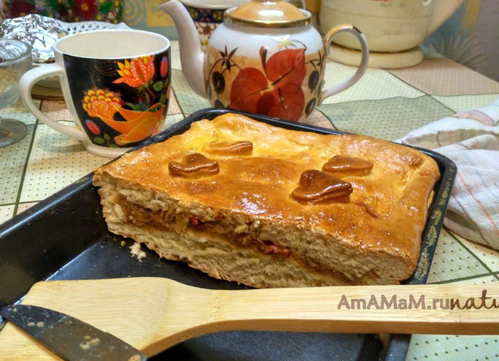 Пирог с капустой на срезе