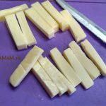 Как нарезать плавленый сыр в начинку котлет