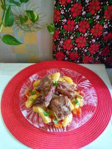 Ребрышки с овощами и картофелем в пакете