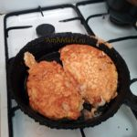 Мясо кляре на сковороде