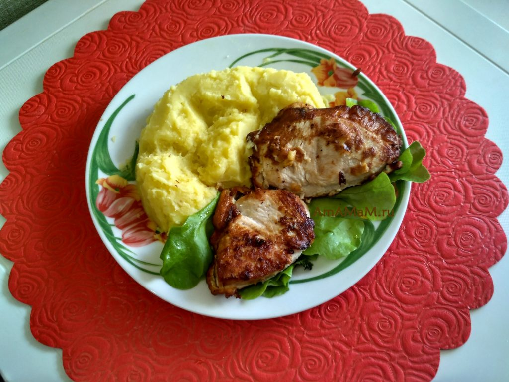 Обед из индейки в кляре и картошки-пюре