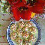 Запеченные в духовке кабачки с салотом из сыра, чеснока и помидоров