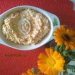 Салат из яиц с плавлеными сырками, чесноком и морковью