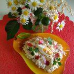 Салат Тройка плюс (тертые: сыр, яйца, лук, яблоки)