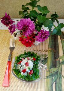 Салат из огурцов и плавеных сырков