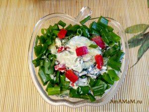 Огуречный салат с плавлеными сырками