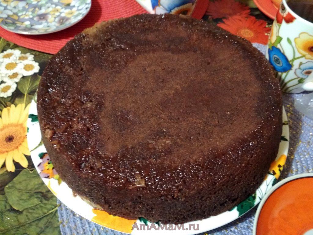 Пирог с яблоками шоколадный