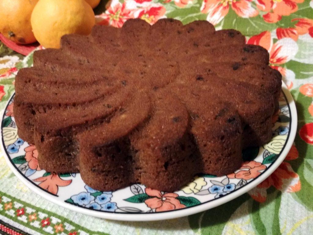 Апльсиновый шоколадный пирог с изюмом