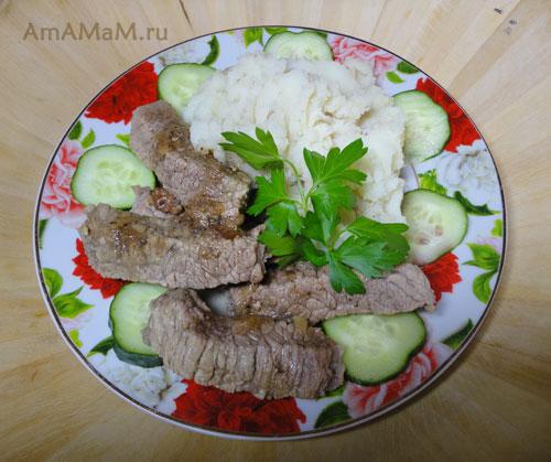 Как сделать Бефстроганов - простой рецепт вкусной говядины в сметанном соусе!