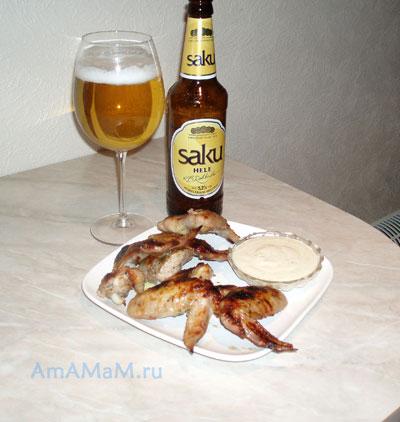 Вкусные куриные крылышки с чуть сладковатой корочкой - пикатная закуска к пиву!