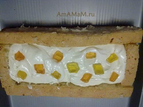 Собираем тортик для детей в форме Губки Боба