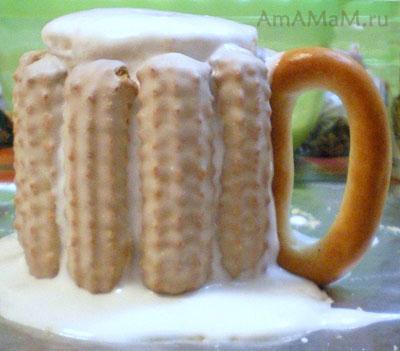 Приготовление торта в форме кружки пива