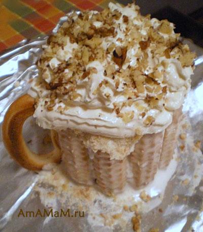 Пивная пена из взбитых сливок в съедобной кружке - оригинальный десерт для любимых мужчин!