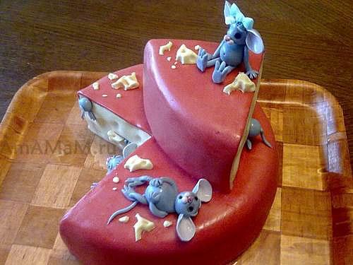 Готовим торт из мастики с мышками и сыром