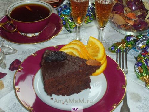 Очень вкусный шоколадный торт с черносливом и миндалем