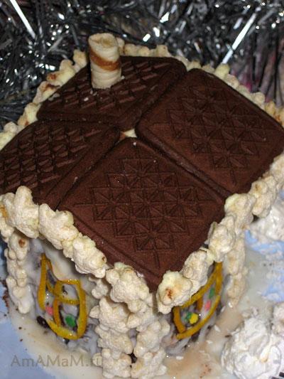 Крыша и труба сказочного домика из торта