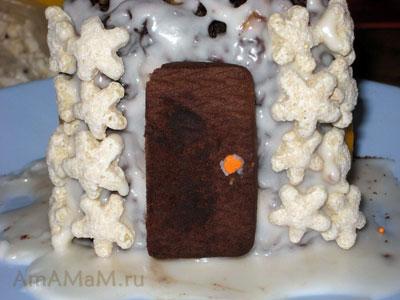 Дверь сладкого дома-торта