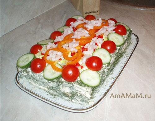 Как сделать закусочный торт с рыбой, яйцами и овощами - вкусный и простой!