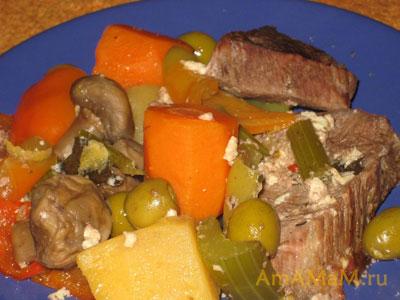 Очень вкусное тушеное мясо из говядины, грибов, оливок и овощей - Бланкет де Во