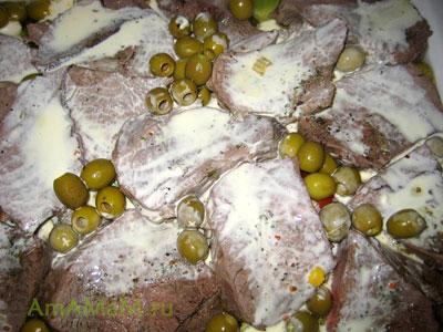Телятина тушеная с овощами. грибами, оливками - Бланкет де Во