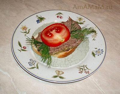 Бутерброд из холодного ростбифа (запеченной в пряностях говядины)