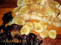 Приготовление бананового пирога с финиками