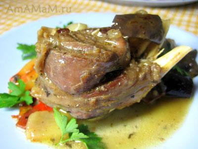 Очень вкусное тушеное мясо баранины