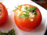 фаршированные рисом и куриной грудкой помидоры