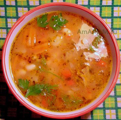 Вкусный, сытный. густой фасолевый суп на мясном бульоне с говядиной!